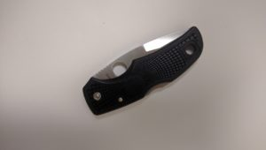 folding knife spyderco drop point native